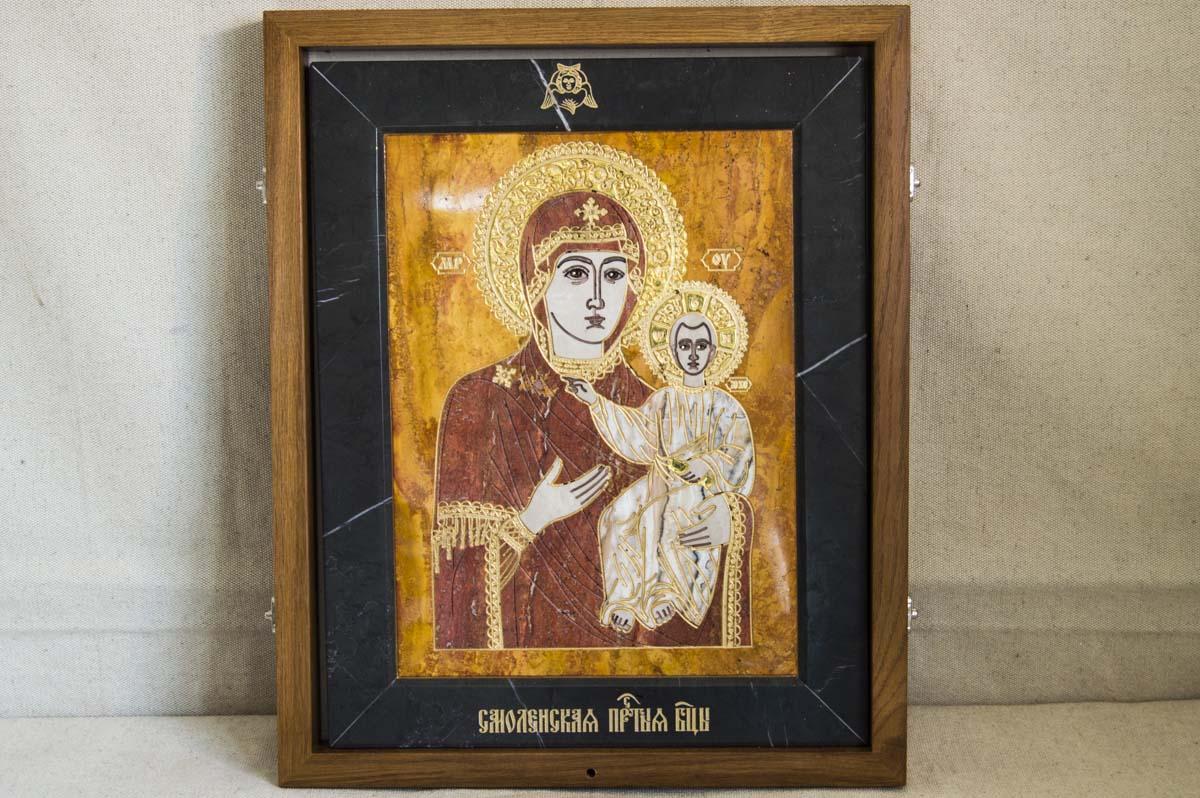 Икона Смоленской Божией Матери из мрамора от Гливи