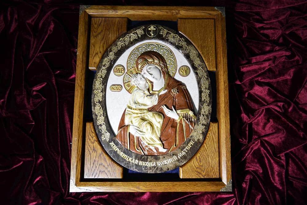 Икона Жировичской Божией Матери из камня от Гливи