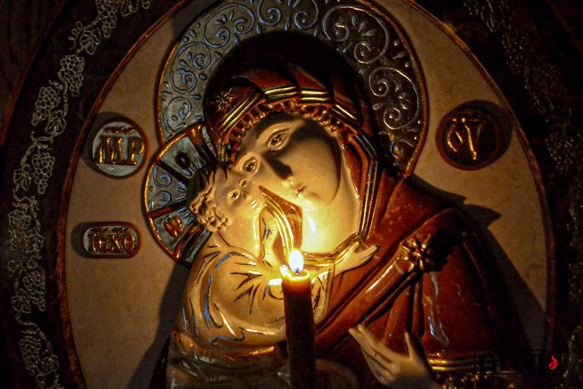 Жирочиская Икона Божьей Матери из мрамора от Гливи, фото сделано в салоне Гливи в Минске, изображение 1