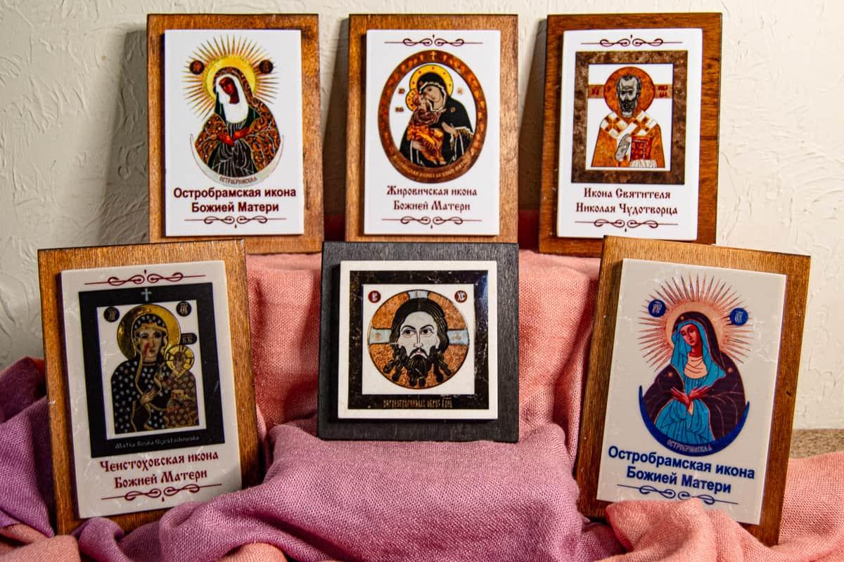Малые паломнические иконы обереги из мрамора от Гливи. Фото 7.
