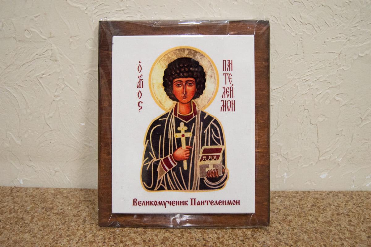 Икона Святого Пантелеймона Целителя на мраморе, сувенирная, изображение, фото 1